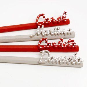 Lápices pintados a mano con nombre personalizado y pintado a mano